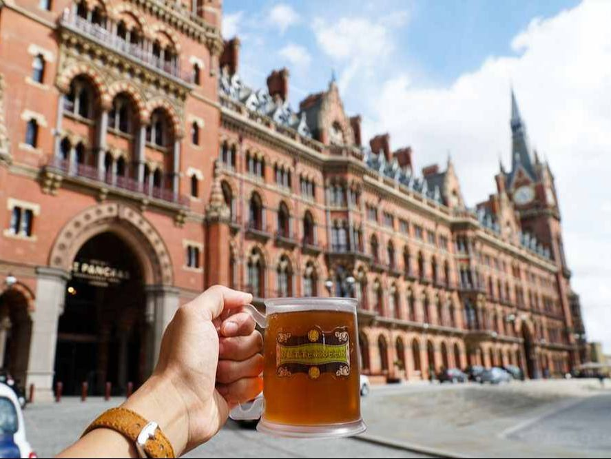 Black Cab Tours Of London - Butter Beer by platform 9 and 3 quarters