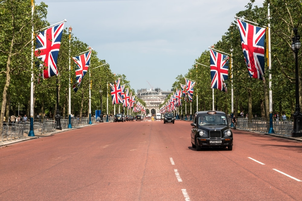 Black Cab Tours of London - Pall Mall